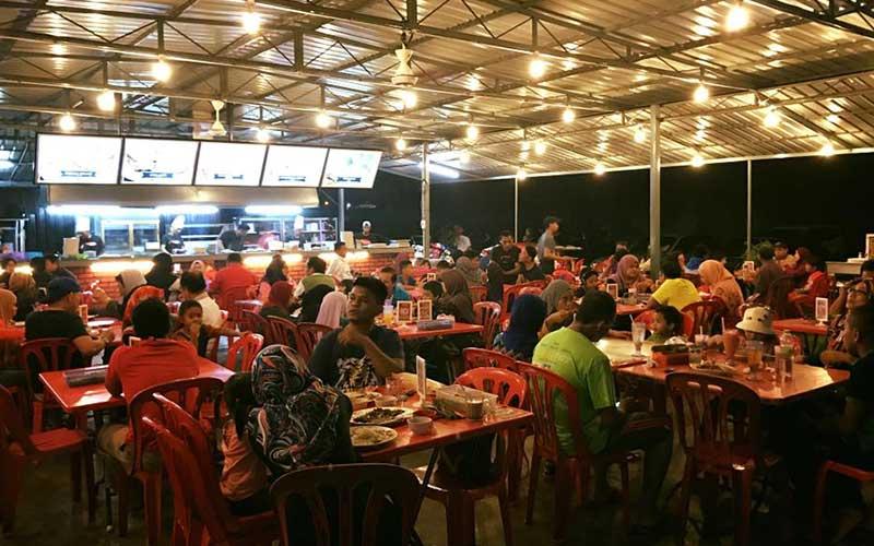 Suasana di Restoran Kings Char Kuey Teow